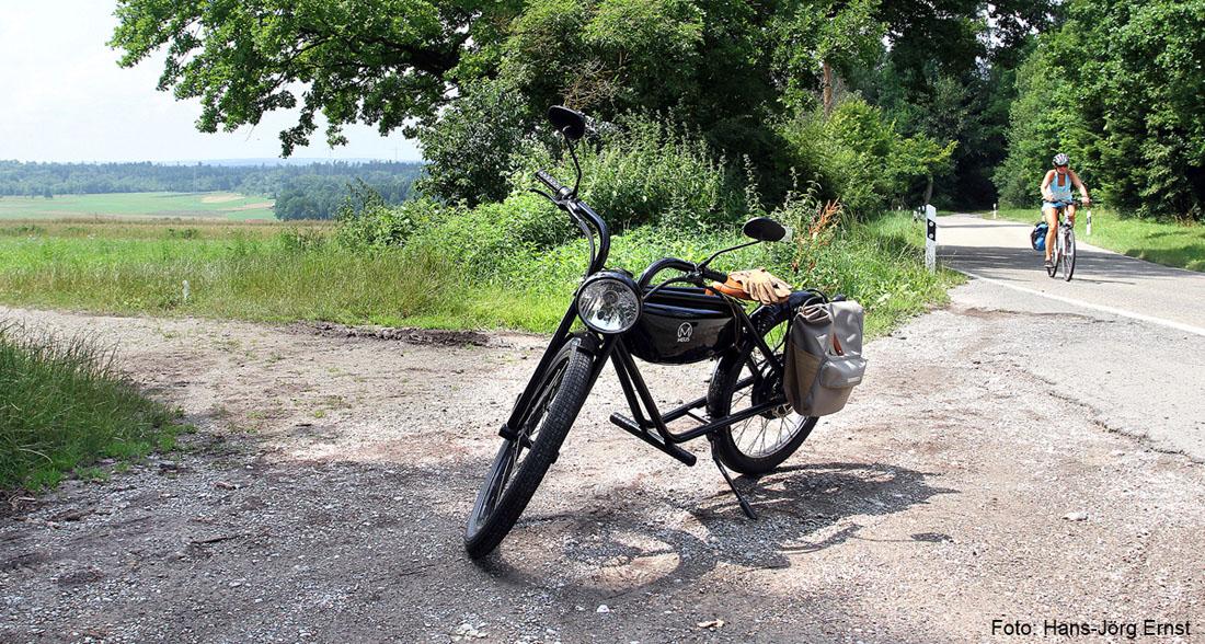 hochblauMagazin_E-Moped-und-Fahrrad_Copyright-HansJoergErnst