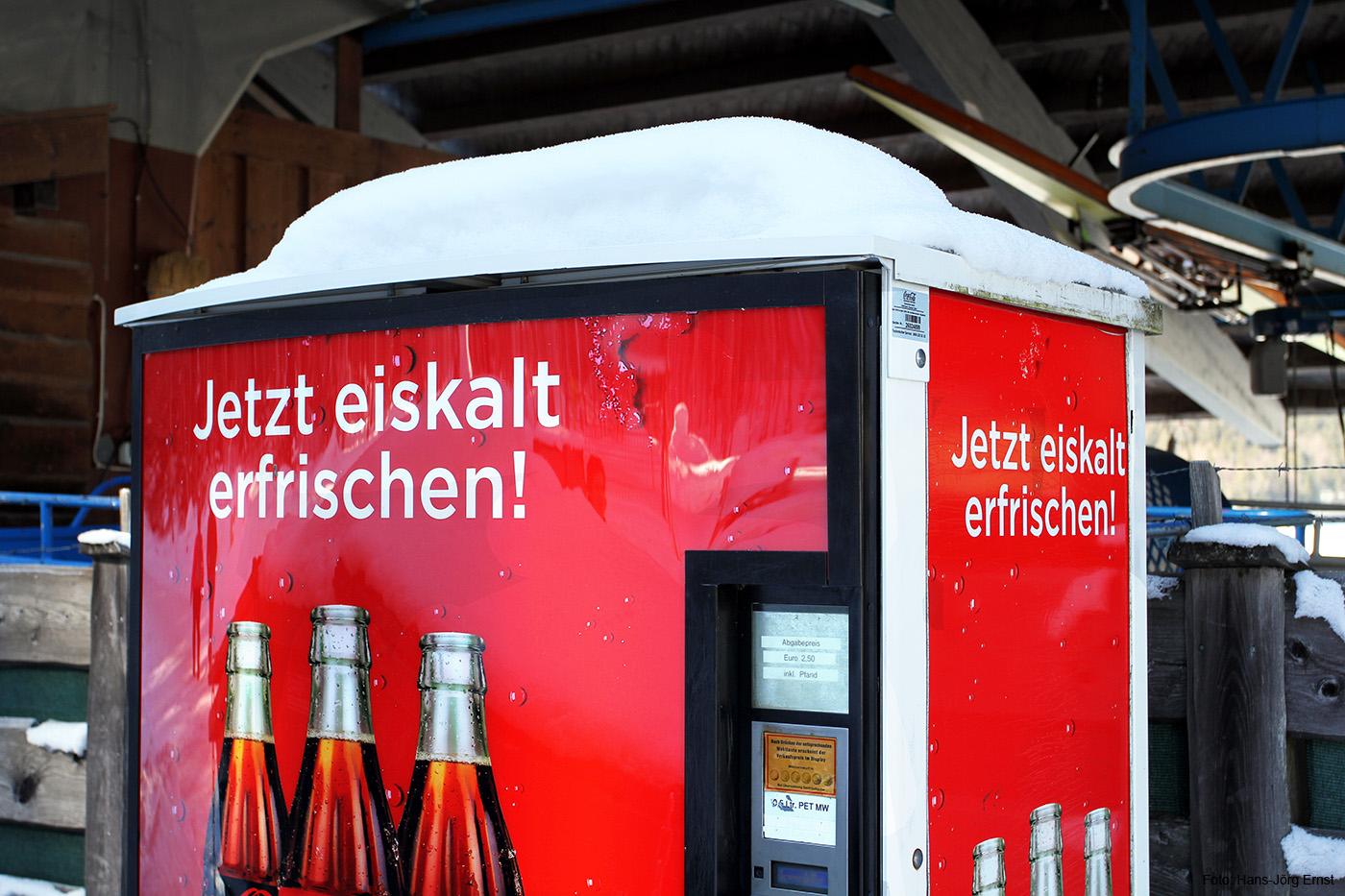 KÜHLUNG NICHT NOTWENDIG Der Getränkeautomat hat im Winter Pause.