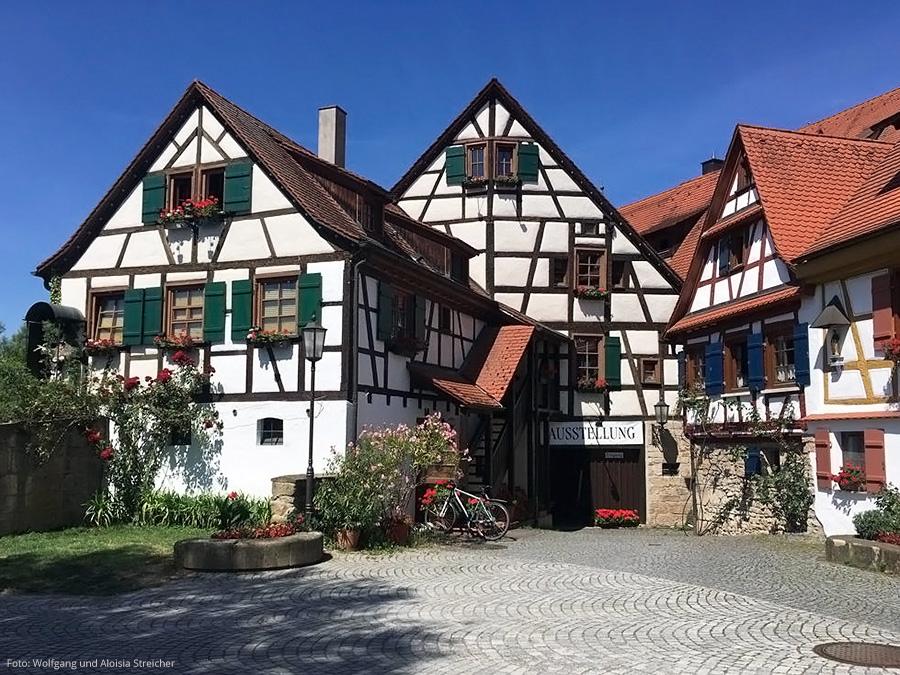 NOSTALGISCH Entdeckt am Wegesrand bei Rottenburg am Neckar | Foto: Wolfgang und Aloisia Streicher