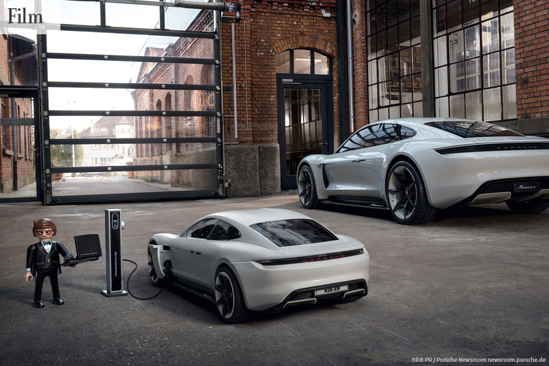 ELEKTRIFIZIERT Porsche und Playmobil: Rex Dasher fährt den Porsche Mission E | Bild: PR / Porsche Newsroom newsroom.porsche.de