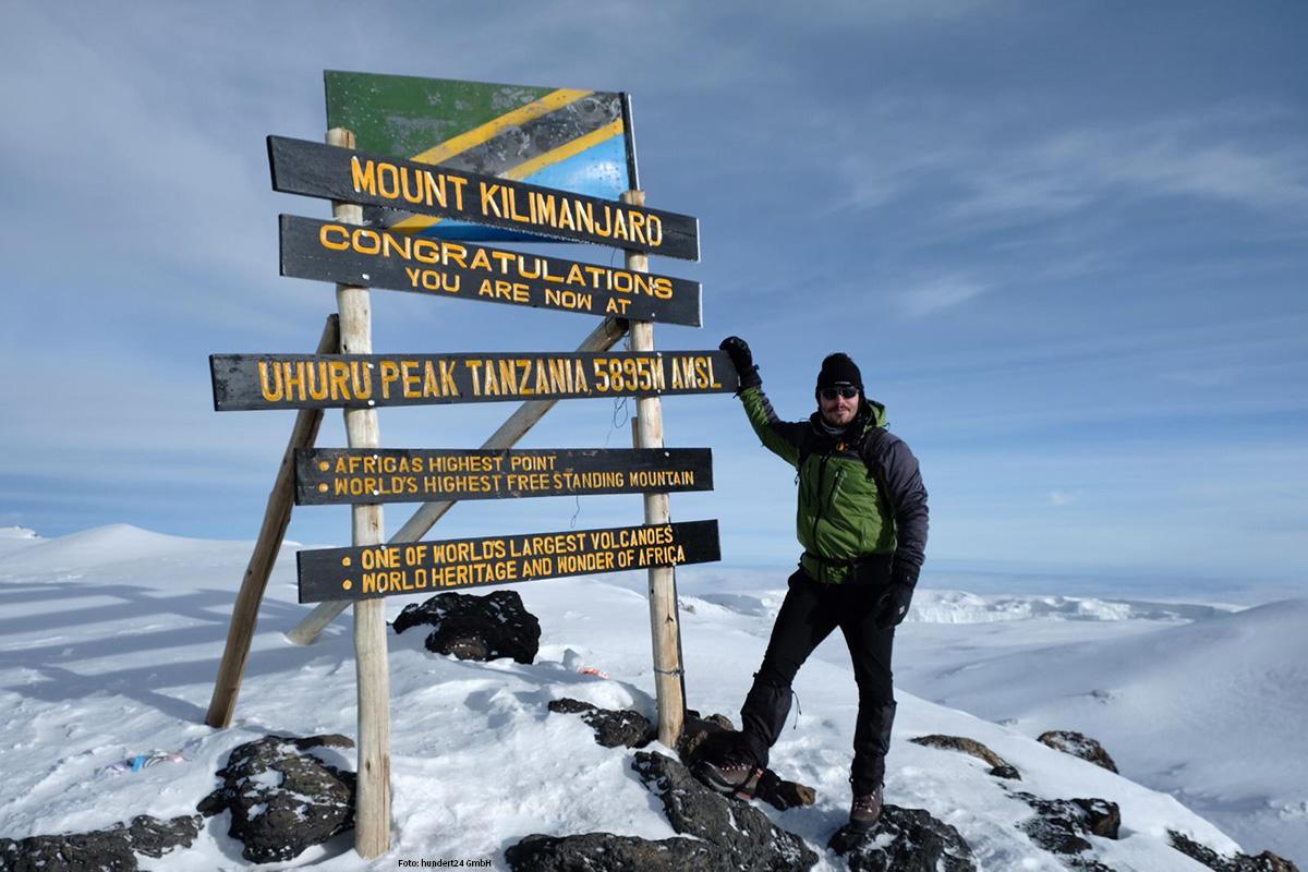 HÖHENERPROBT Geschäftsführer Marco Kamischke auf dem Kilimanjaro